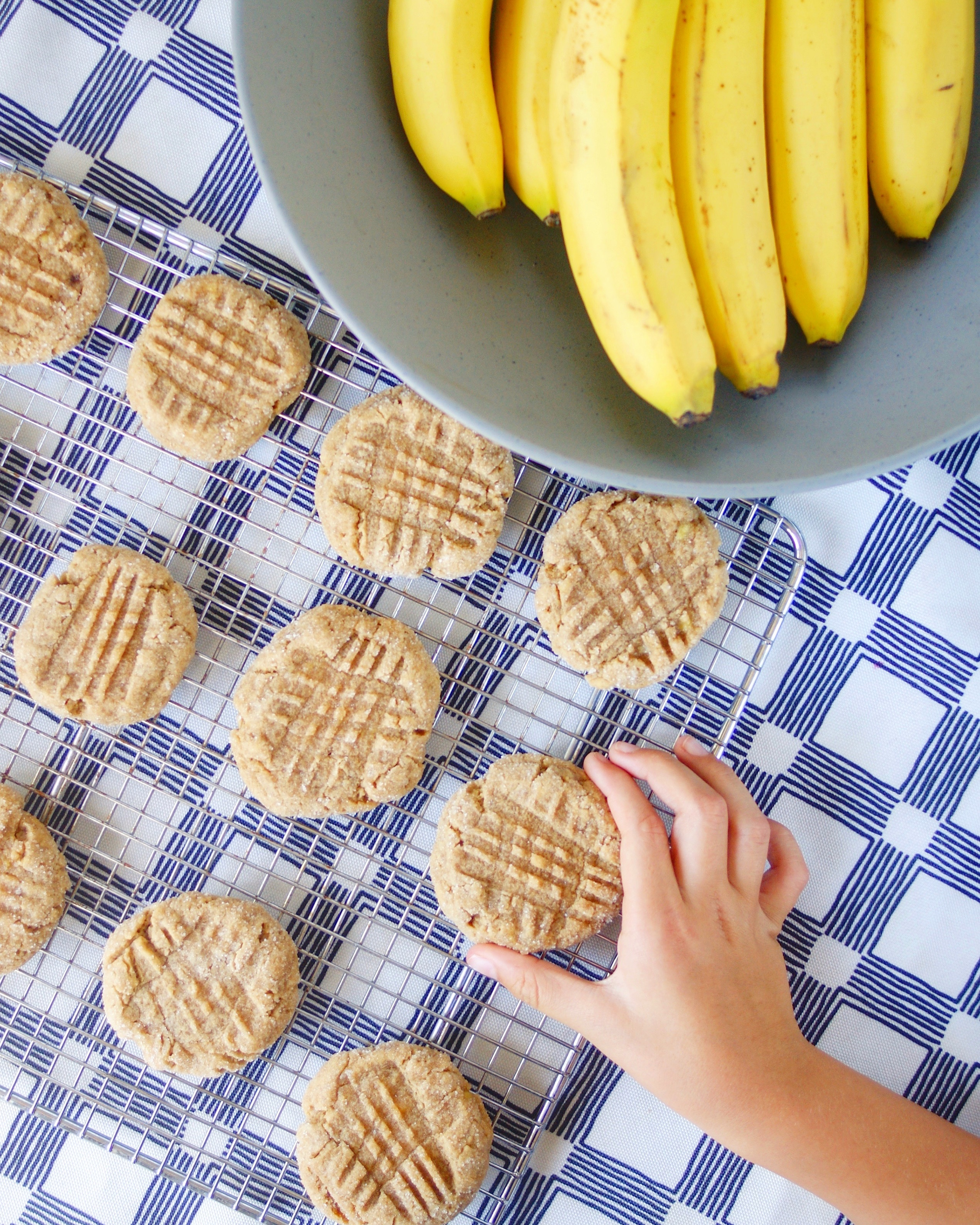 Peanut butter and banana cookies