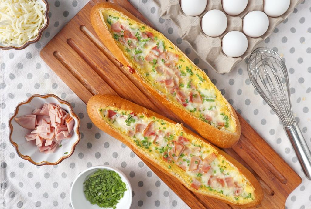 Breakfast egg boats
